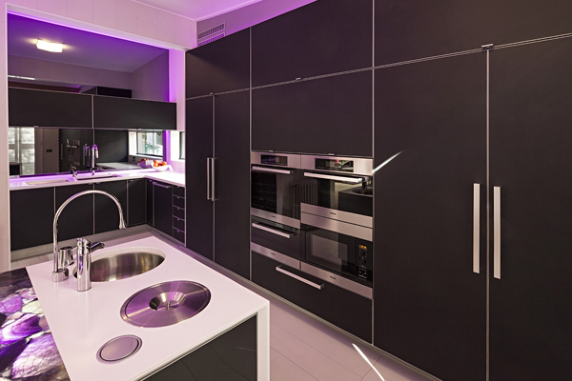 Perspex® in Funky Contemporary Kitchen
